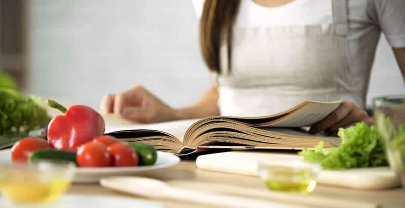 Top 23 Best Nutrition Books of All Time Review 2020