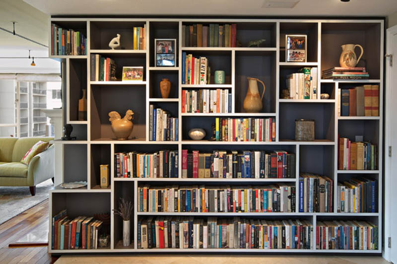 HOW TO STORE YOUR BOOKS IN A SHOP UNIT